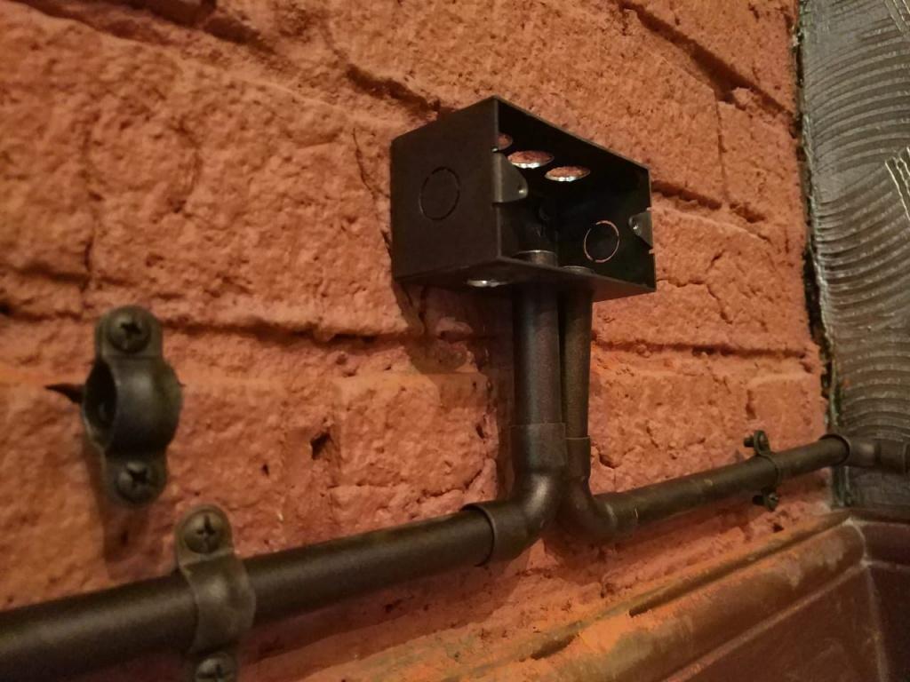 Электропроводка в металлических трубах